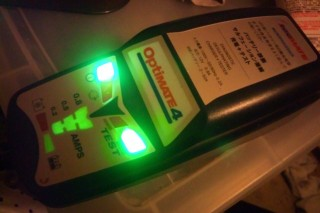 OptiMATE4 : 緑の点灯は「正常」の証!